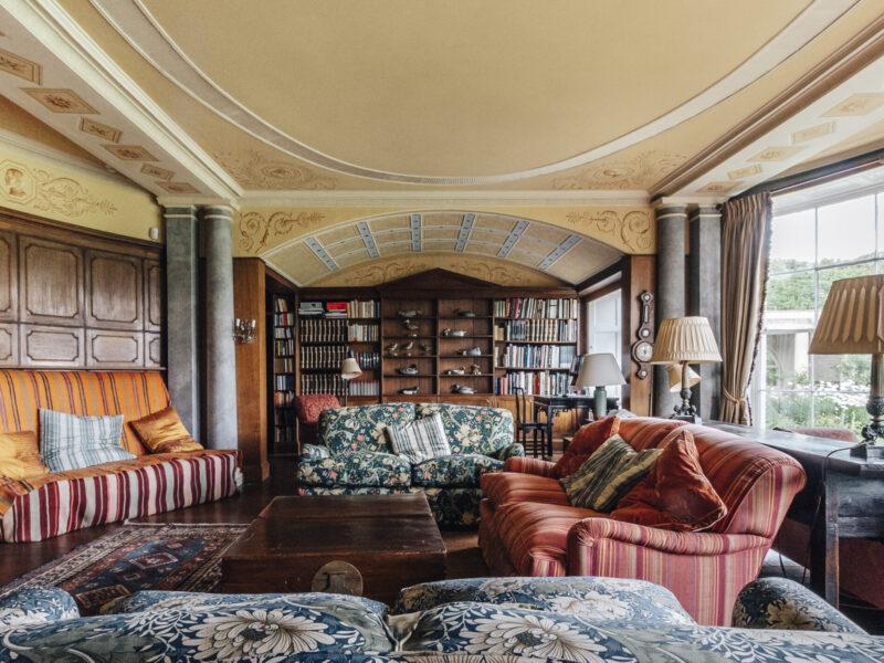 28004 - Worlingham Hall - Library