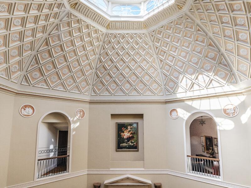 28004 - Worlingham Hall - Main Staircase (1)